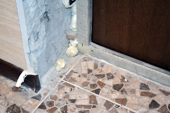 Отделка откоса входной двери своими руками