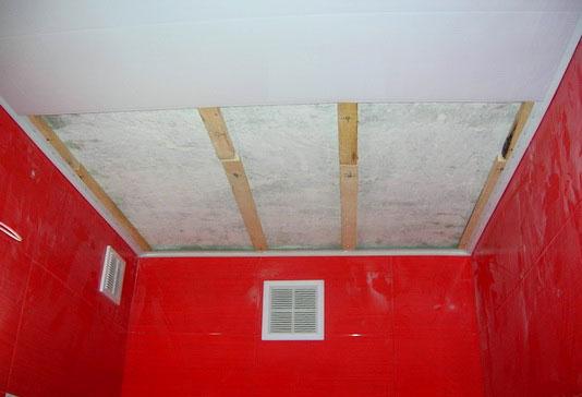 Потолок туалета своими руками