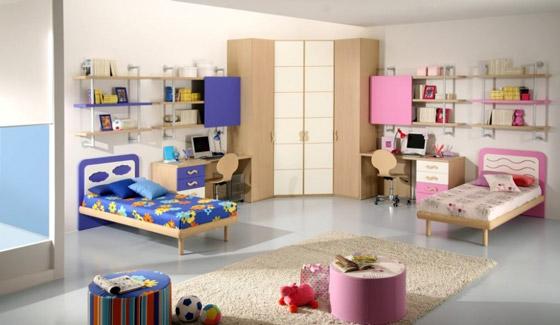 Разделить на зоны комнату для двоих детей можно без перегородок, одними лишь цветовыми акцентами