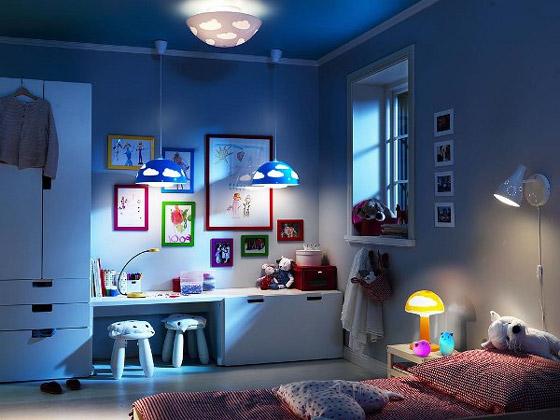Комбинация разнообразных источников освещения, которая в любой момент удовлетворит меняющиеся предпочтения маленького хозяина комнаты