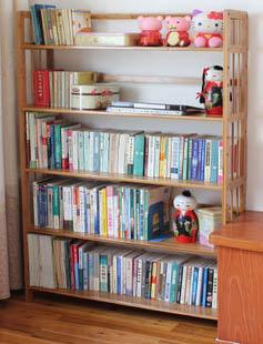 Книжный стеллаж из бамбука