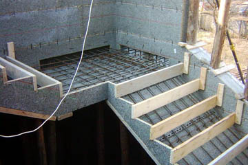 Опалубка для монолитной бетонной лестницы