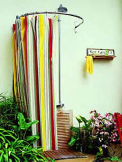 Уличный душ с мягким ограждением