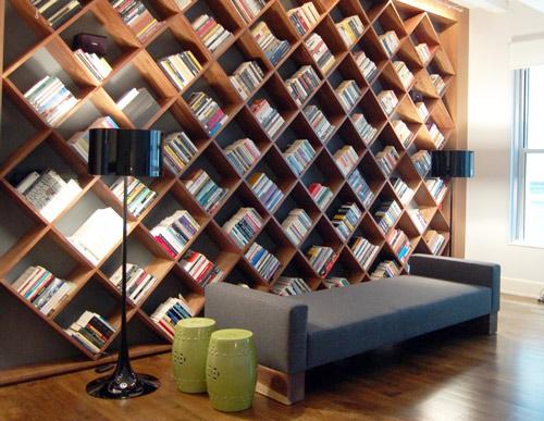 Книжные полки под большое собрание книг