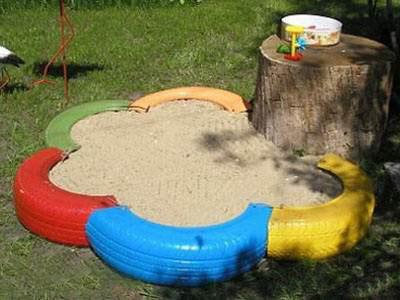 Песочница из шин