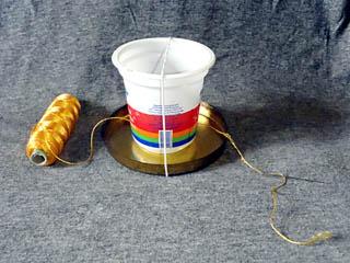 Приспособление для изготовления абажура из ниток