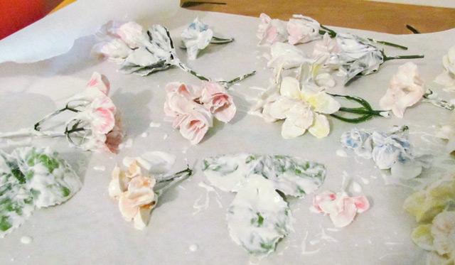 Сушка искусственных цветов в процессе гипсования