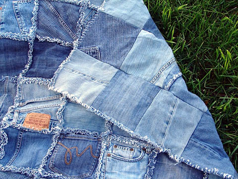 Покрывало из старых джинсов