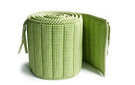 Мягкий бортик для детской кроватки фабричного производства