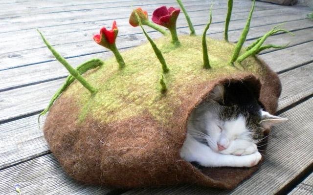 Войлочный спальник для кошки