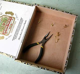 Как сделать ключницу из коробки