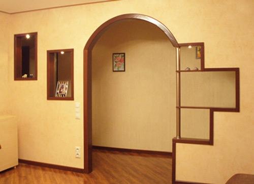 Сегментная арка с полками