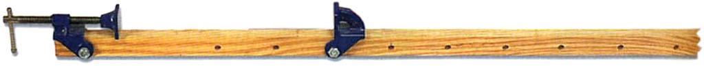 Стяжная струбцина из пары губок с обоймами и отрезка бруса