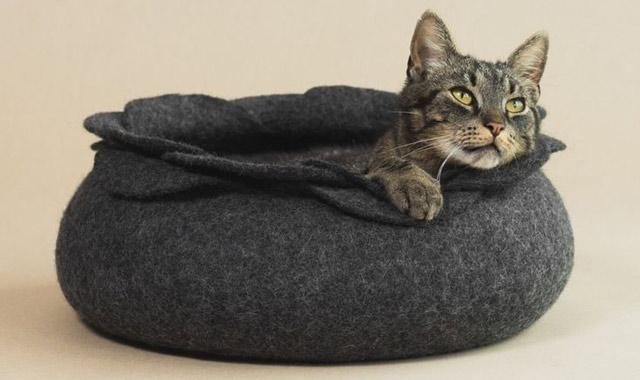 Войлочная лежанка-горшок для кошки