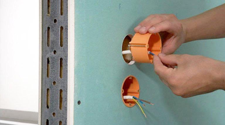 Как делать электропроводку под обшивкой из гипсокартона